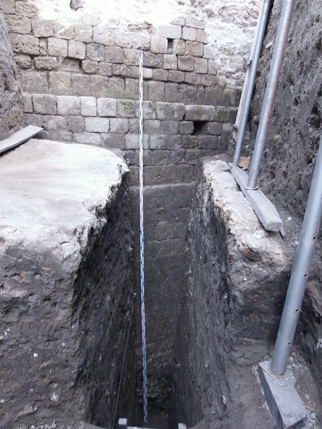 A previously unknown section of the southeastern Late Antiquity fortress wall of the Ancient Roman city of Sexaginta Prista in Bulgaria's Danube city of Ruse has been discovered to have been preserved up to a height of 7 meters, all of that found underground. Photo: Ruse Regional Museum of History