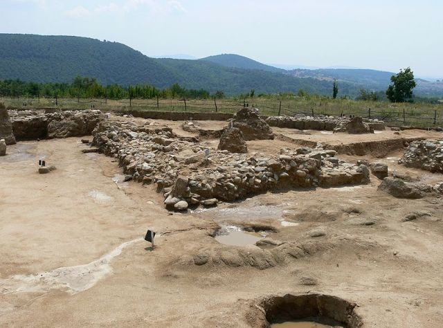 This photo shows a view of the archaeological excavations of the Ancient Thracian city near Bulgaria's Vasil Levski, Karlovo Municipality, back in 2006. Photo: Spiritia, Wikipedia