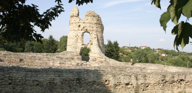 Bulgaria's Kula to Restore Archaeology Museum at Roman Fortress Castra Martis, Promotes Joint Route with Felix Romuliana (Gamzigrad) in Serbia