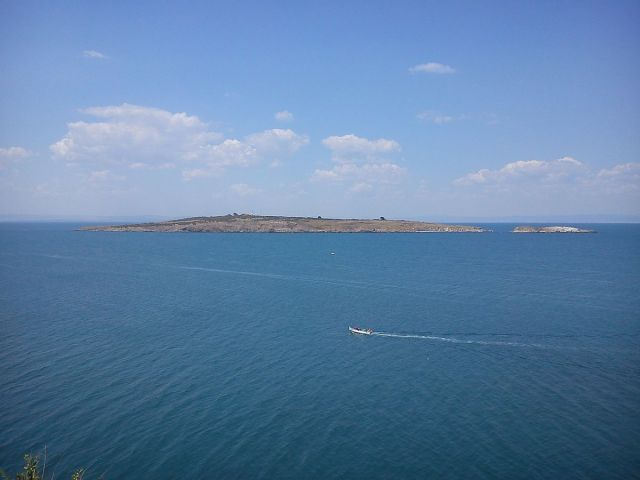 Bulgaria's St. Ivan (St. John) Island off the coast of Sozopol (left) with the smaller St. Petar (St. Peter) Island to the right. Photo: Aw58, Wikipedia