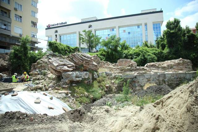 The ruins of the Western Gate of ancient Serdica are to be restored by Sofia Municipality, hopefully with better luck than the highly controversial restoration known as the Sofia Largo Project. Photo: Sofia Mayor Facebook Page