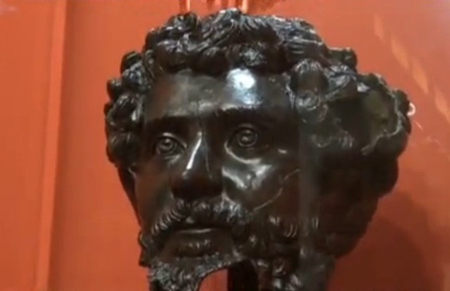 The restored bronze head of Roman Emperor Septimius Severus as exhibited in the Deultum - Debelt Archaeological Preserve. Photo: TV grab from BNT
