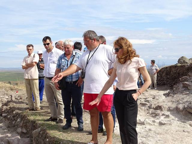 Bulgaria's Tourism Minister Nikolina Angelkova (right) with Burgas Reigonal Museum of History Director Milen Nikolov (middle) during her visit to the Rusocastro Fortress. Photo: Burgas Regional Museum of History