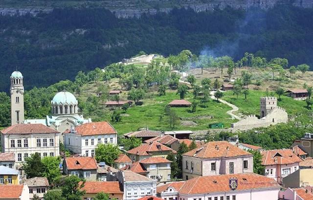 A view of the Trapesitsa Hill during the restoration. Photo: Veliko Tarnovo Municipality
