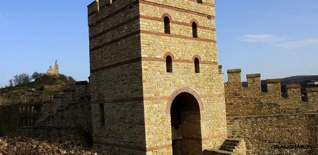 Bulgaria's Veliko Tarnovo to Open for Tourists Trapesitsa Fortress after Restoration with Azerbaijan Money