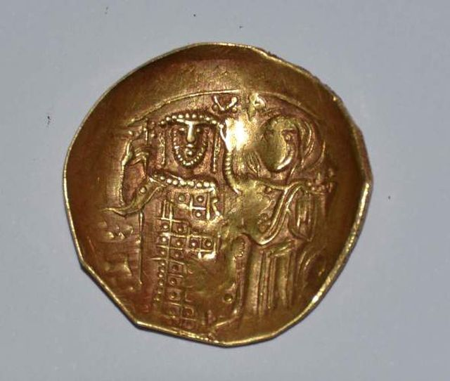 One of the three Byzantine coins from the Nicaean Empire discovered over the summer in a newly found necropolis in Bulgaria's Kaliakra Cape Fortress. Photo: Top Novini Dobrich