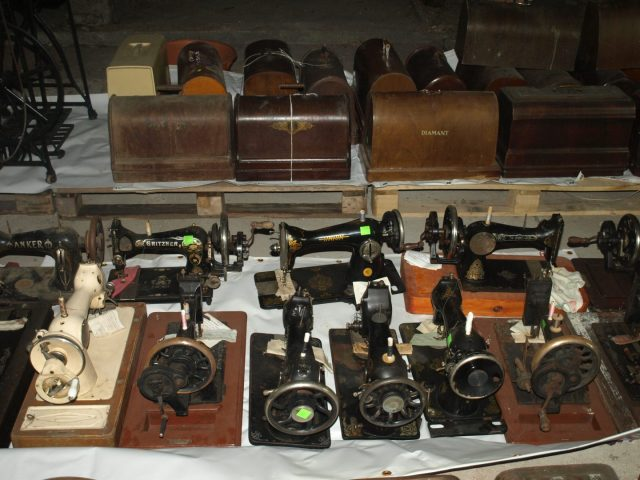 Collector Donates 40 Sewing Machines To History Museum In Delectable Antique Sewing Machine Museum