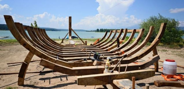 Ancient Thracian 'Bird Headed' Warship Already under Construction in Bulgaria's Kazanlak
