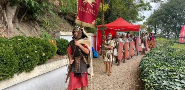 Ancient Roman Market Draws Crowd in Sexaginta Prista Fortress in Bulgaria's Danube City Ruse