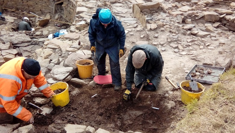 Excavating the new wall and passage in Structure B