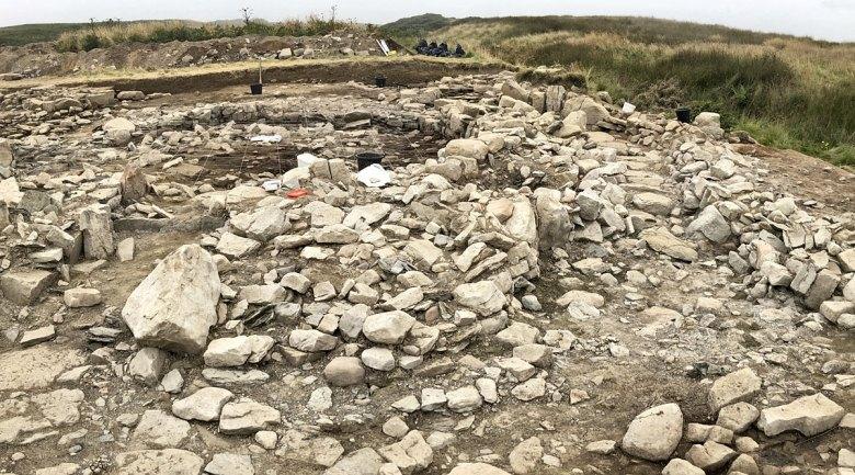Swartigill site looking West