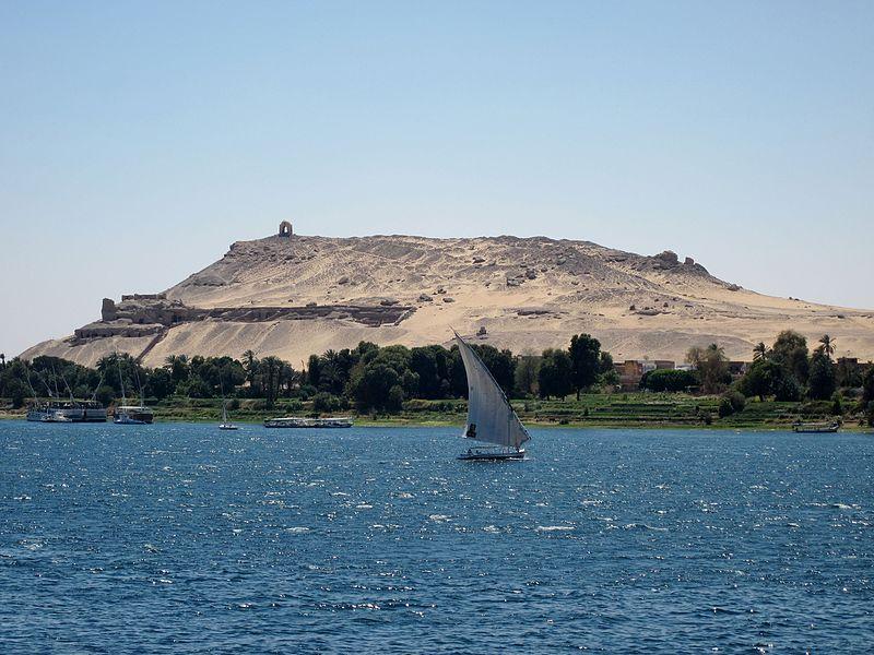 Tombe inviolée du Moyen Empire découverte près d'Assouan en Egypte