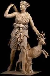 statue-artemis-biche-epoque-classique-louvre