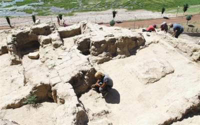 ruines-palais-yemuktepe-mersin-turquie