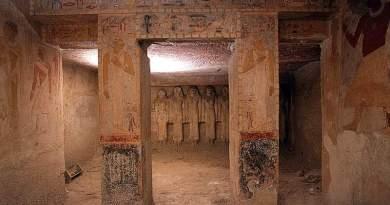 Visite virtuelle de la tombe de la reine égyptienne Mérésânkh à Guizeh