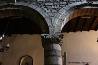 Montefiascone_Chiesa_di_Sant_Andrea_capitello_serpenti