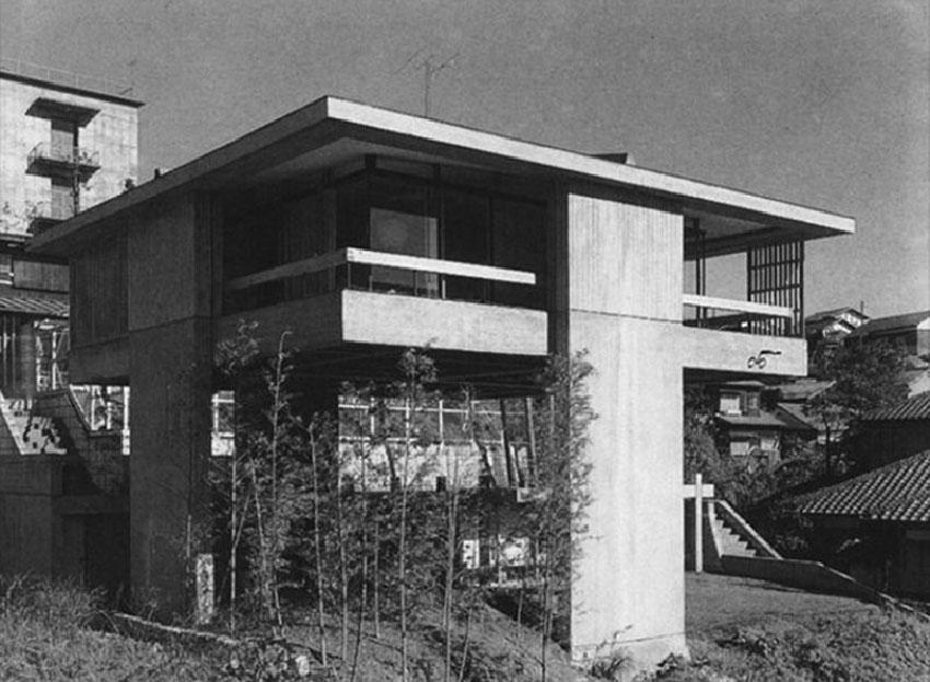 Exterior view of the House by Kiyonori Kikutake