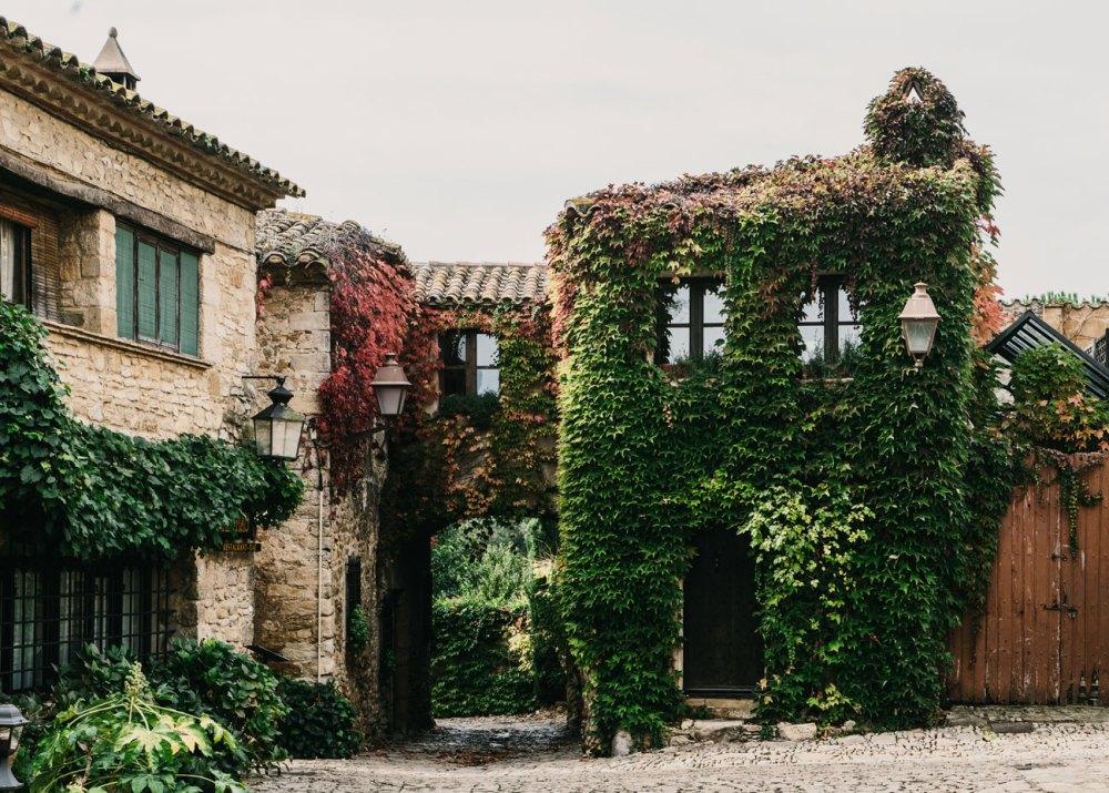 Peratallada Castle Garden Renovation / Mesura