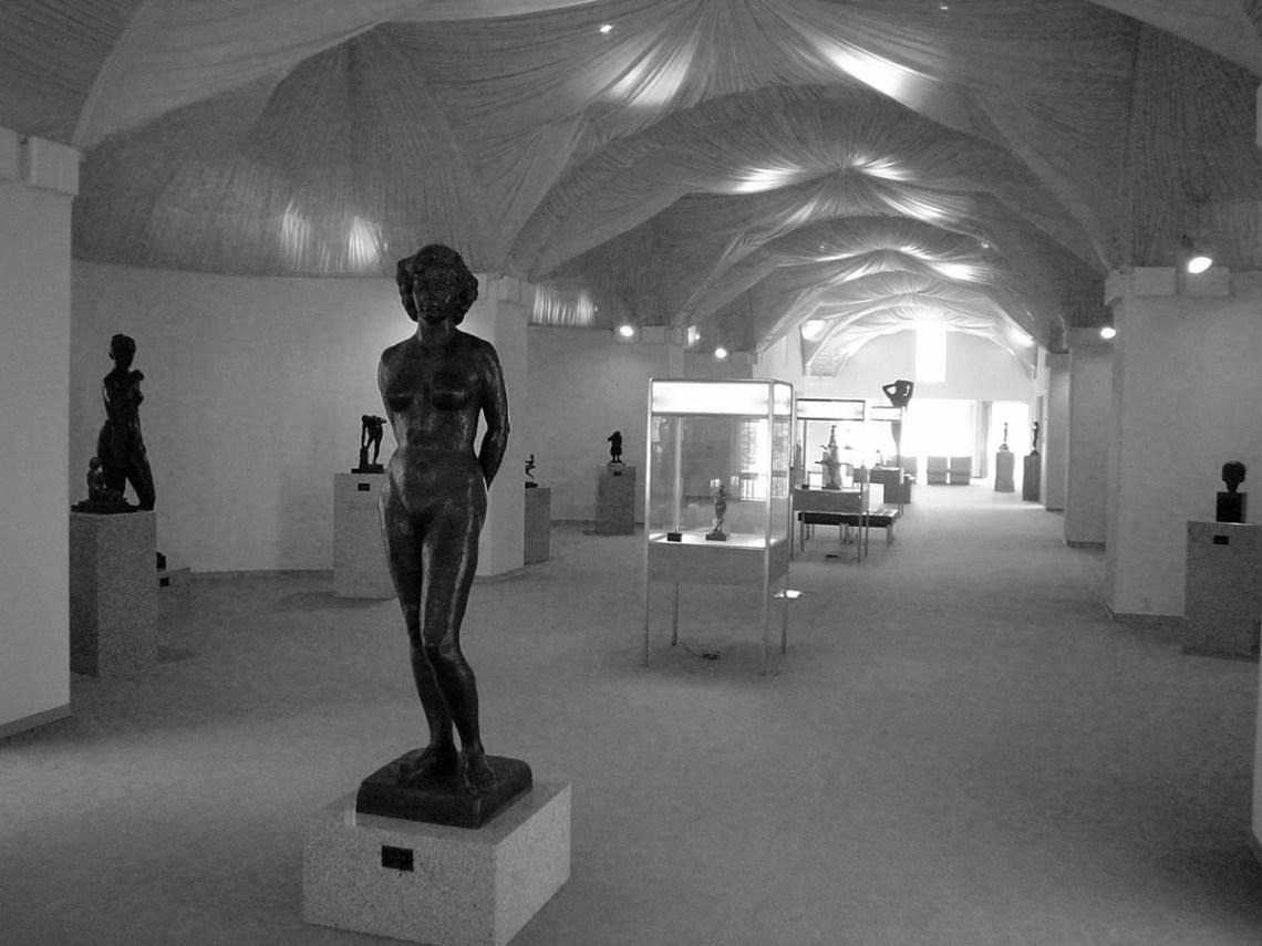 Yatsugatake Art Museum / Togo Murano