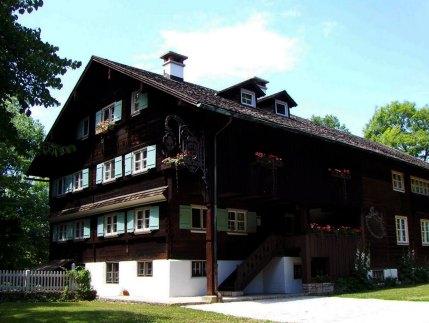 traditional-Wälderhaus-ArchEyes-2