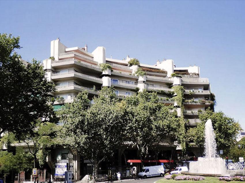 Exterior View of the Princesa Apartments / Fernando Higueras + Antonio Miró