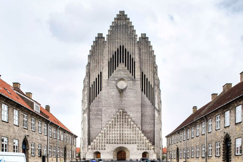 Exterior Facade of the Grundtvig's Church / Peder Vilhelm Jensen-Klint