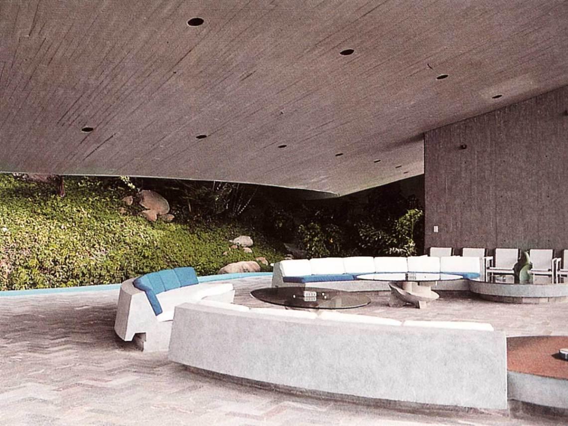 Arango Marbrisa House by John Lautner exterior living room