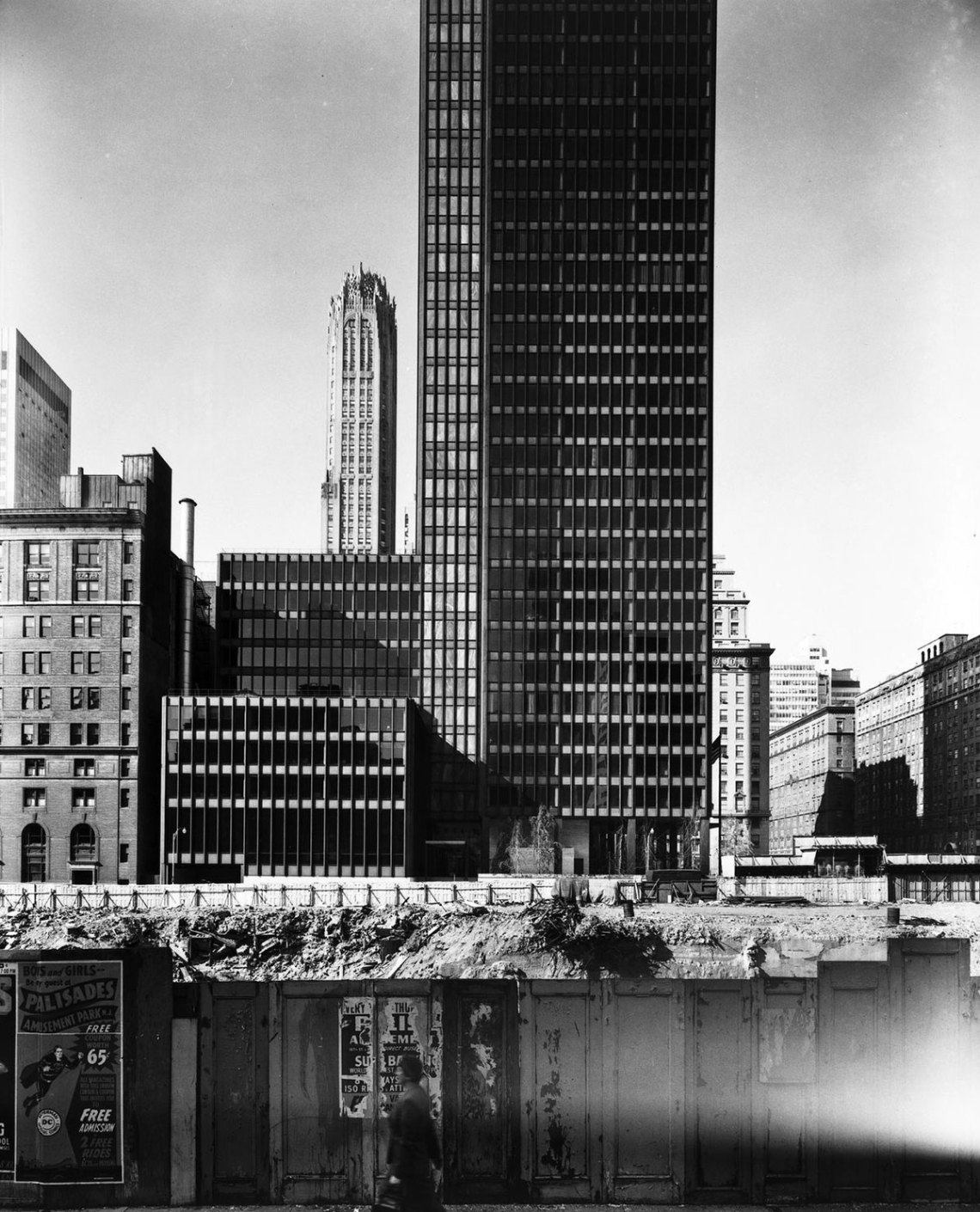 Historic photograph Seagram Building in New york by Mies Van Der Rohe