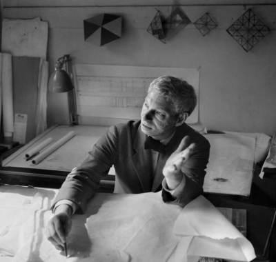 Louis Kahn portrait at his office