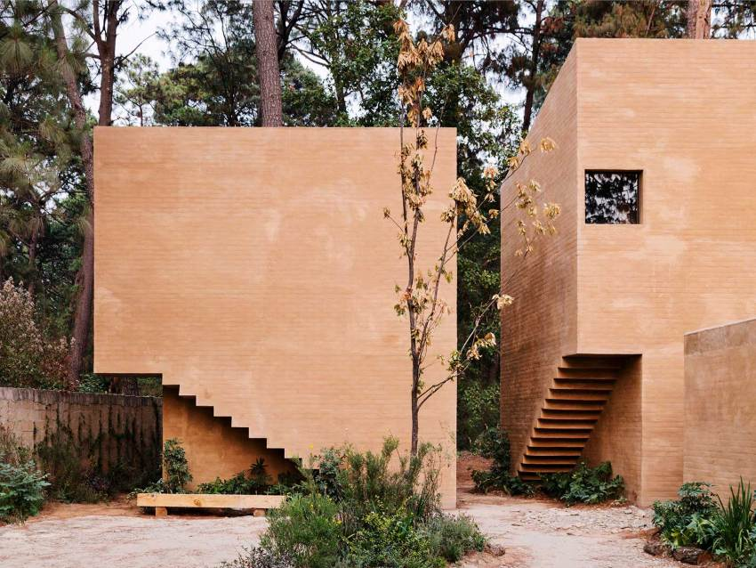 Entre Pinos Houses stairs details