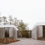 Courtyard -House in a Park / Think Architecture