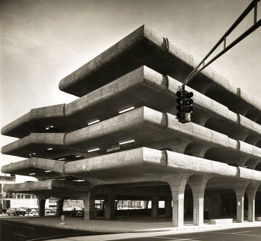 Exterior View - Temple Street Parking Garage / Paul Rudolph