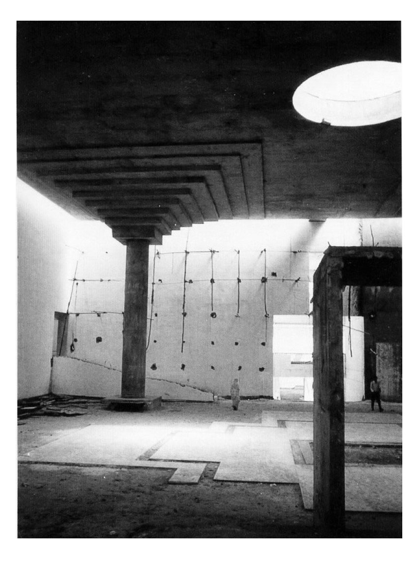 Interior Space - Vidhan Bhavan State Assembly in Bhopal / Charles Correa