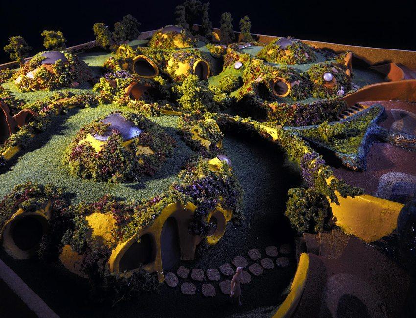 Model - Satelite House Complex in Mexico / Javier Senosiain