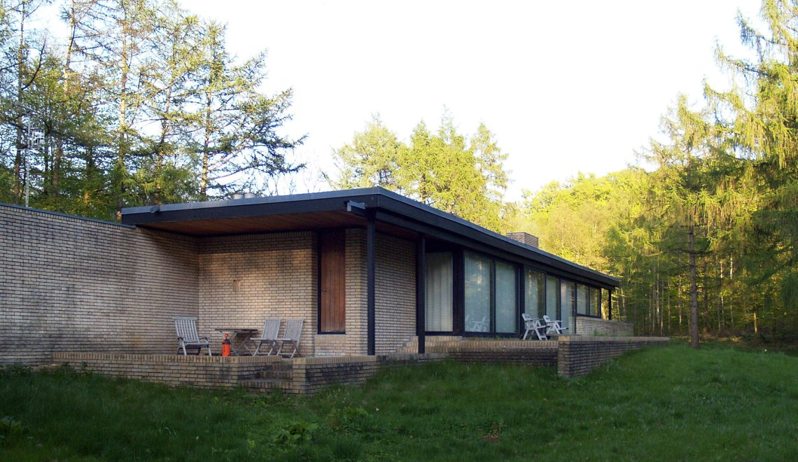 Facade- Utzon's House in Hellebæk / Jørn Utzon