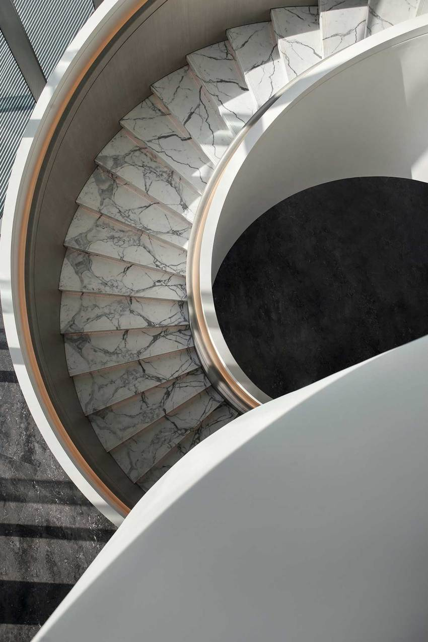 Spiral staircase - Sunac Grand Milestone Modern Art Center in Xi'an / Cheng Chung Design