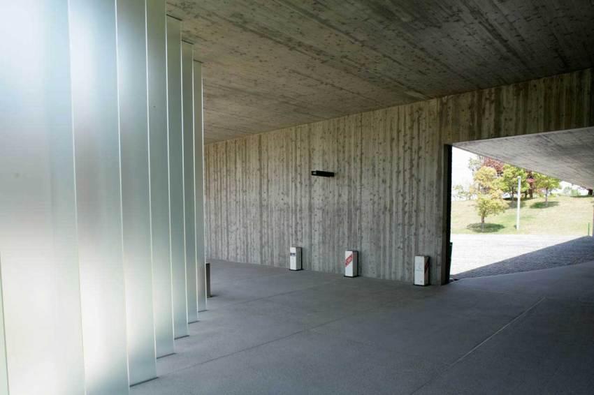 Interior - Kaze-no-Oka Crematorium  / Fumihiko Maki