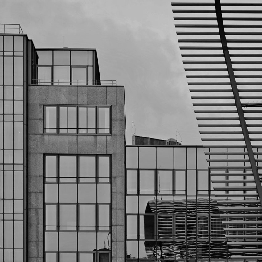 "Munich - Frames of ""URBAN ELEMENTS"" by Michael Nguyen"