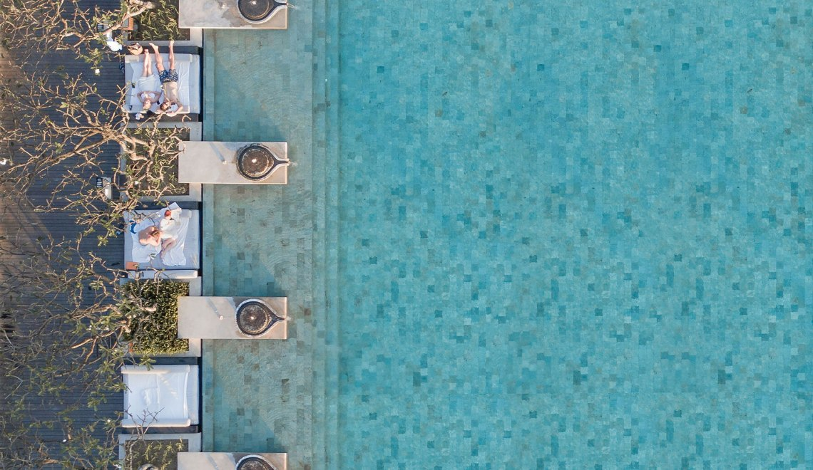 The Beauty Of Swimming Pools / Brad Walls