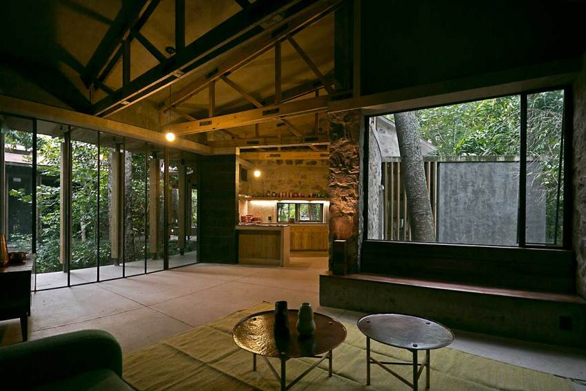 Living Room and openings of the AMACUECA HOUSE / CoA arquitectura