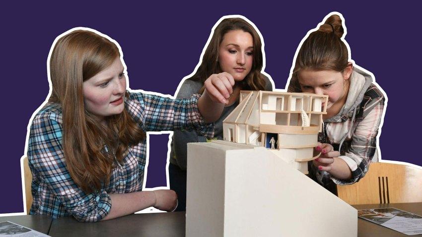 Girls making an architecutre model - Construction - Peter Zumthor