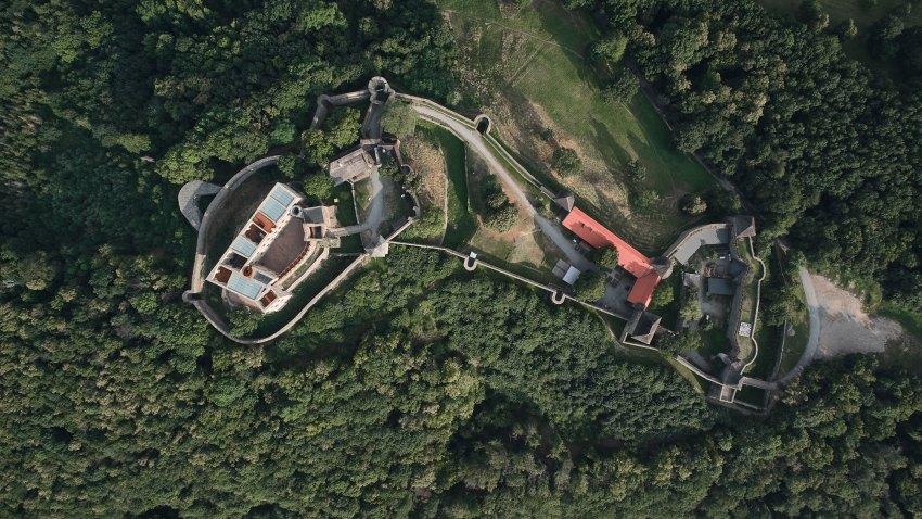 Aerial Top View -  Helfštýn Castle Palace Reconstruction / Atelier-r