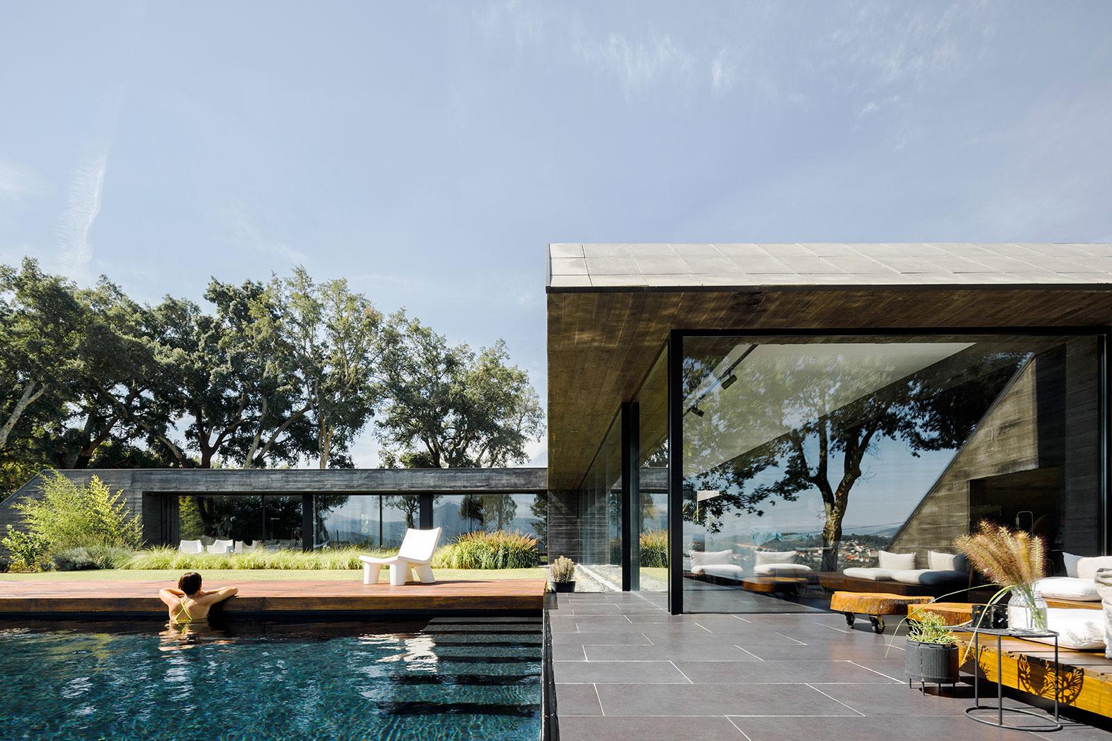 Portuguese Architecture  - cover