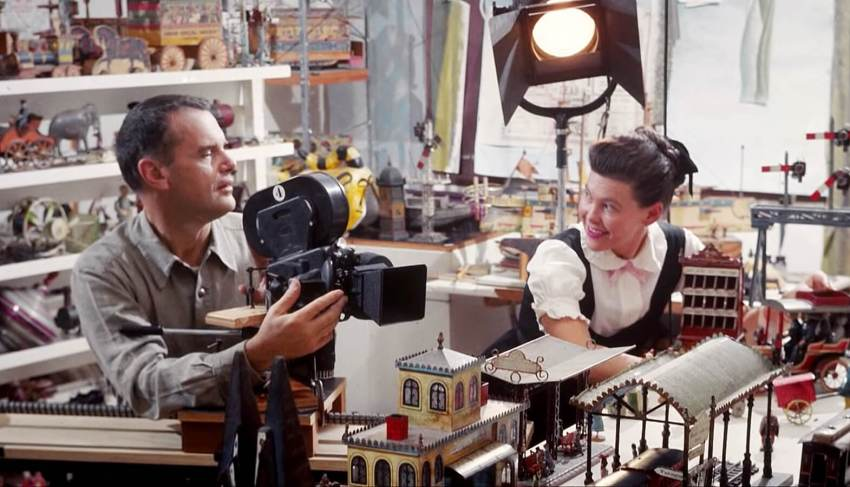 Best Gifts For Architects & Designers - charles and ray eames designers