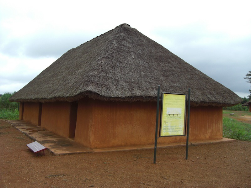 village-souterrain-parc-archeologique-agongointo-benin-14