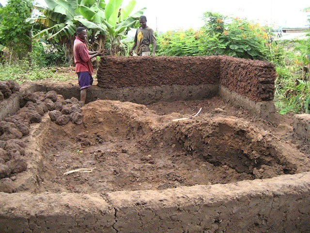architecture-africaine-des-murailles-en-terre-aux-murs-en-ciment-par-pierre-boutin-sma -10