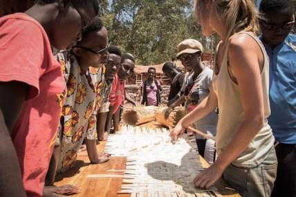 en-images-la-recherche-sur-les-materiaux-de-la-bibliotheque-de-muyinga-au-burundi-par-bc-architects-37