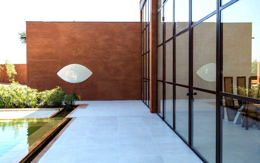 Khamsa-house-residence-privee-en-terre-au-senegal-atelier-koe4