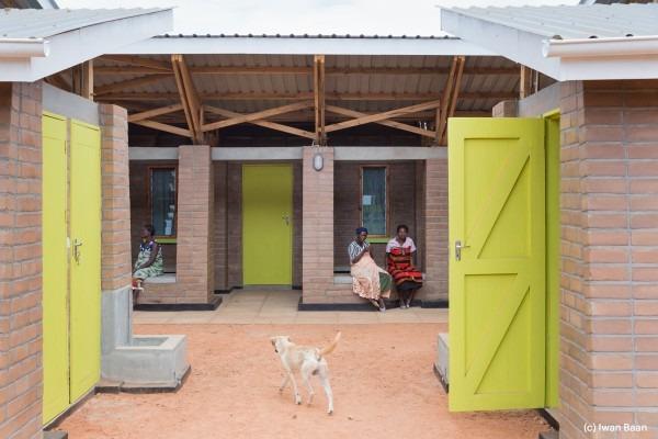 village-de-mise-en-observation-de-femmes-enceintes-mass-design-group-malawi-6