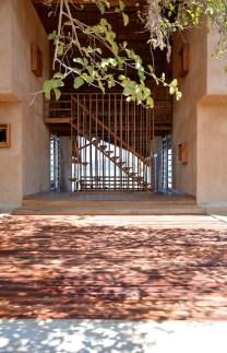 sous-les-voiles-a-nosy-be-madagascar-par-sceg-architects-1
